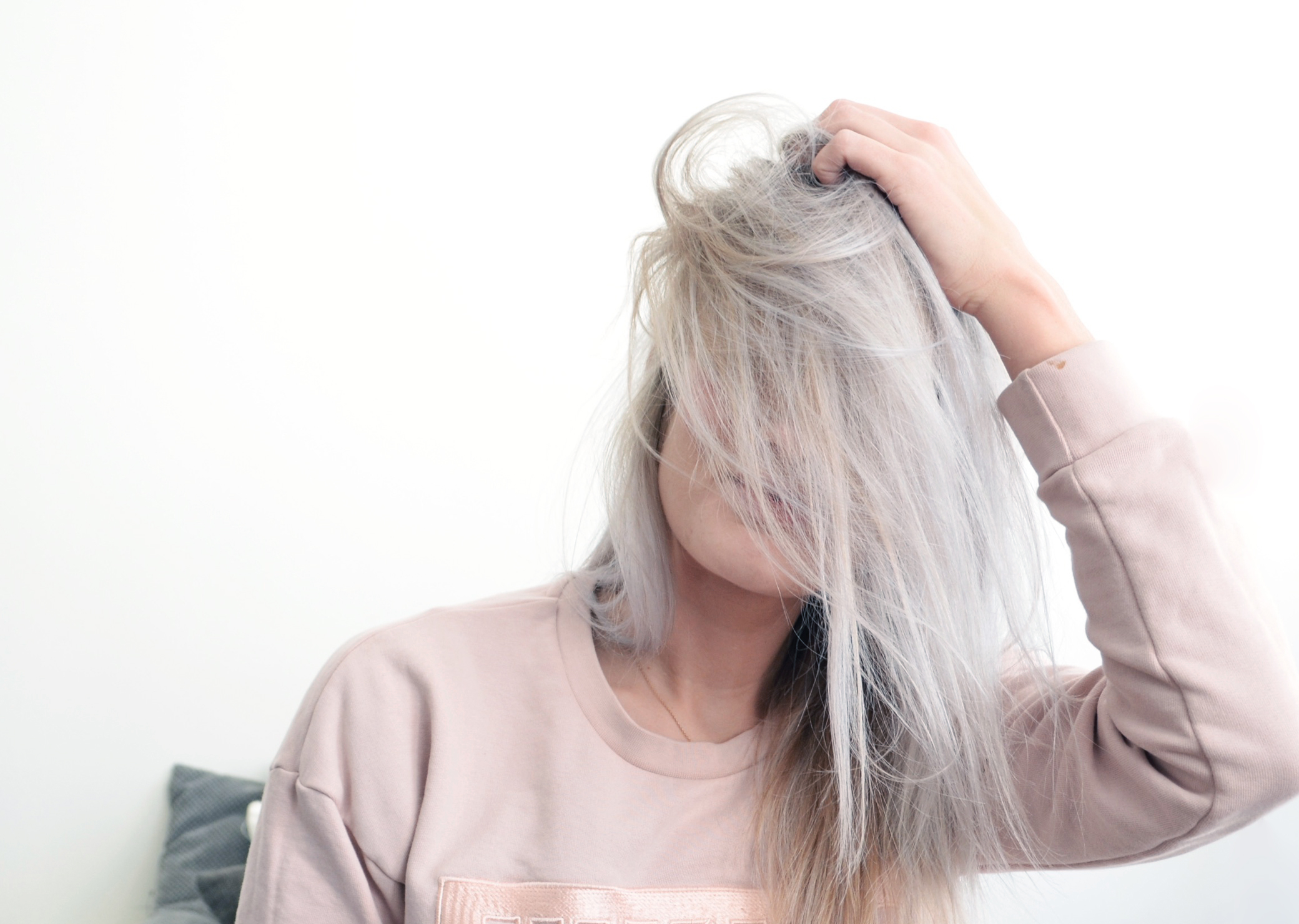 How to get grey hair? From blonde to silver grey!